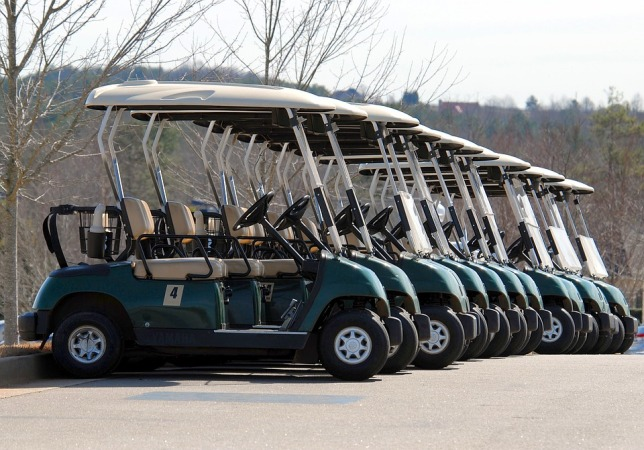 golf-carts-1646644_960_720