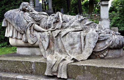 grave-2625396_1280